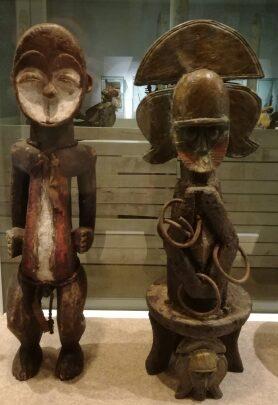 Objetos de fuerza y poder del golfo de Guinea. Esculturas, máscaras, relicarios e instrumentos musicales.