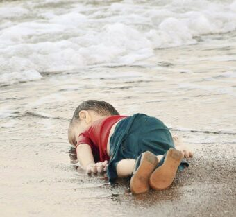 Aylan Kurdi. Poema a un niño perdido.